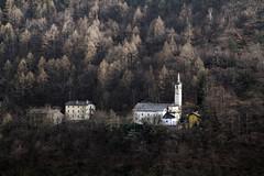 Val d'Aosta - le traverse di Arnad, il Santuario della Madonna della Neve di Machaby (mariagraziaschiapparelli) Tags: panorama primavera valdaosta escursionismo camminata arnad allegrisinasceosidiventa traversediarnad