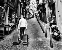 Il mattino (SDB79) Tags: street strada napoli vicolo biancoenero mattino edicola valige quartiere camminare andare rione