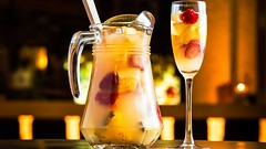 Sangria bianca, cocktail (Wine Dharma) Tags: glass yellow focus wine flute banana cc cocktail jar cocktails frutta sangria cibo vino fragole cocktailrecipe bestsangria sangriablanca cocktailestivi sangriabianca cocktailconvodka cocktailricetta cocktailallafrutta 2016cocktailrecipe