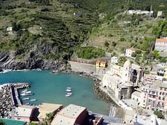 Vernazza, Cinque Terre (chibeba) Tags: italy heritage history coast town seaside spring europe village liguria villages unesco worldheritagesite coastal april cinqueterre towns italianriviera 2016 fivevillages 5villages