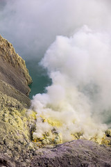 Sulphur mine ([Alexandre]) Tags: yellow indonesia volcano java asia smoke id hike adventure backpacking jawatimur ijen sulphurmine wongsorejo