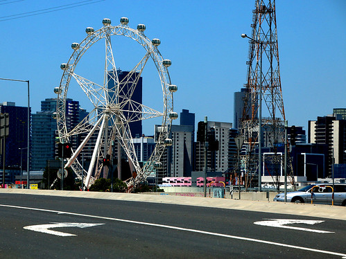 This way to Melbourne Star