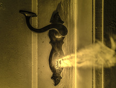 doorhandle in golden light (ChristianMandel) Tags: smoke flash doorhandle sonya7 ilce7