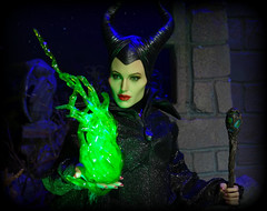 Maleficent (MiskatonicNick) Tags: witch evil disney angelinajolie 16 sleepingbeauty maleficent hottoys sixthscale playscale