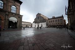 Piazza Maggiore (gippe69) Tags: bologna piazzamaggiore sanpetronio