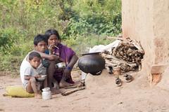 Tribal family (wietsej) Tags: family india zeiss rural sony tribal 135 18 a700 chhattisgarh bastar sal135f18z