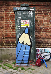 Crayons   Pencils   Crons (pod) Tags: brussels streetart pencils graffiti belgium belgique tag belgi bruxelles graph crayons crayon brussel potlood crons