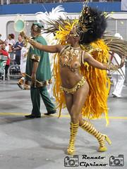 Ivi Pizzott - Bailarina do Fausto (Cipriano1976) Tags: carnival carnaval destaque sambdromo carnivalparade escoladesamba redeglobo rainhadebateria sambaschool carnavalsp ensaiotcnico carnavalsopaulo grupodeacesso camisaverdeebranco sambdromodoanhembi bailarinadofausto paradeofsambaschool carnaval2016 renatocipriano sambdromosopaulo celebridadedocarnaval ivipizzott