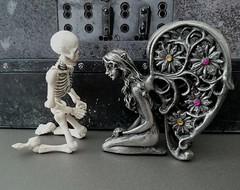 (claudine6677) Tags: pose skeleton skull reaper elfe fairy bones fee skelett knochen schdel