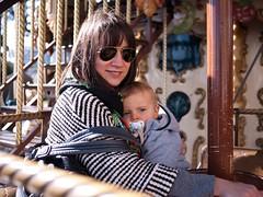 Mange (Dahrth) Tags: baby lumix raw bokeh carousel littleboy mange bb rayban carrousel gf1 petitgaron micro43 panasoniclumixgf1 20mmpancake gf120 microquatretiers