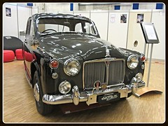 Rover P4 100, 1961 (v8dub) Tags: auto old classic car schweiz switzerland automobile suisse 4 automotive rover voiture oldtimer p british 100 fribourg oldcar freiburg 1961 collector wagen pkw klassik worldcars