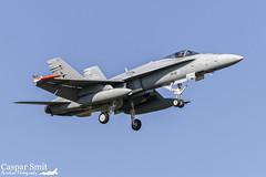 Ilmavoimat F/A-18C Hornet - HN-401 (Caspar Smit) Tags: airplane nikon fighter aircraft aviation jet hornet airforce f18 leeuwarden fa18 frisianflag ilmavoimat d7000 ehlw hn401