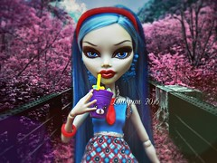The forest of cherry blossoms (Linayum) Tags: monster toy toys doll mh mattel mueca shopkins ghoulia linayum monsterhigh ghouliayelps