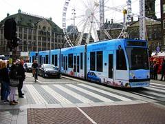 HYUNDAI TUCSON tram 2016 GVB (streamer020nl) Tags: holland netherlands amsterdam crossing tucson dam nederland siemens tram fair hyundai paysbas kermis strassenbahn niederlande gvb damrak zebrapad 2016 lijn4 2071 290416