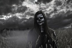 Skull III (lbta) Tags: portrait girl skull zombie winds