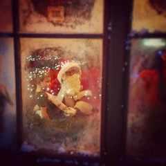 #christmas #winterwonderland #santa #presents #snow #window (Jon_Callow_Images) Tags: santa christmas window festive square gifts fairy presents squareformat lapland fatherchristmas elves snowscene earlybird santasworkshop iphoneography instagramapp uploaded:by=instagram