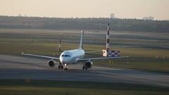 EC-MBY - Airbus A320-214 (Digi-Joerg) Tags: espanol ec txl elpratdellobregat airbusa320 berlintegel vuelingairlines internationalerverkehrsflughafen 27112015