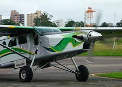 The Porter Arrives... (Antnio A. Huergo de Carvalho) Tags: verde green yellow airplane aircraft aviation amarelo pilatus avio propeller porter aviao hlice helice pc6 prajj turboporter pc6b2h4