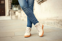 Off white sude / Fashion is a party (Fashionisaparty) Tags: gradient londen skinnyjeans nikesneakers otherstories fashionblogger koltrui hmstudio fashionisaparty wollentrui citytriplonden sofitelstjameslondon offwhitesuede nikeairforce1hisuede