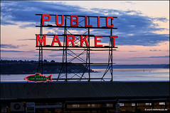 Pike Place Market Seattle Fish Market Sign (Stefan Bock) Tags: seattle sunset sea usa fish water clouds washington meer wasser sonnenuntergang wolken pikeplacemarket pikeplace fishmarket