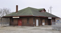 Zanesville, Ohio (2 of 2) (Bob McGilvray Jr.) Tags: railroad ohio abandoned station train tracks depot oh zanesville wle wheelinglakeerie
