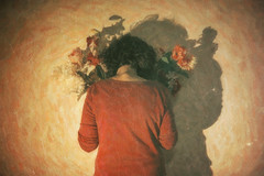 E se fossi un pittore dipingeresti fiori? 29-366 (a_Valentine) Tags: flowers light flower girl wall vintage back paint flowergirl photopainting 365days paintphoto 365daysproject 365project rckenfigur avalentine