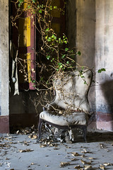 chiar (yle92) Tags: world light urban building art abandoned love window beautiful beauty wall architecture lost photography chair room urbandecay urbanexploration abandonedhouse magnificent abandonedbuilding urbex memoris fineartphotographer urbexworld