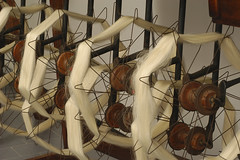 tessile2 (noor.khan.alam) Tags: italy lana museo seta industria arancio filo legno lavoro ferro sfondo stoffa archeologia fabbrica rocchetti tessile tessuto filare tessere cotone tingere filato tessitura