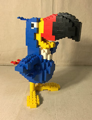 Kellogs Toucan Sam Display with Box (minifigpriceguide.com) Tags: lego kelloggs