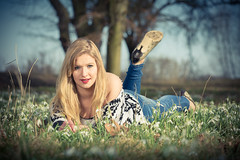(1025) der Frhling kommt (avalon20_(mac)) Tags: portrait spring model jung outdoor young meadow wiese dame modell frhling feminin weiblich liegend