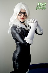 IMG_8736 (Neil Keogh Photography) Tags: white black female blackcat comics mask boots cosplay gloves wig cosplayer collar marvel zip marvelcomics jumpsuit manchesteranimegamingcon2016
