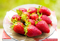 Strawberries (Oana Dima) Tags: red nature fruits amazing strawberries plate
