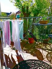 P1170671 ideales Wetter zum Waschetrocknen APS 2016 (APS Lilienthal) Tags: sonnenschein lichtundschatten balkonidylle wschespindel