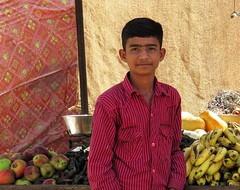 deshnok 2015 (gerben more) Tags: boy portrait people fruit portret deshnoke