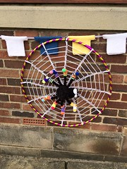 Fancy Having To Knit Eight Socks For A Spider! (Munki Munki) Tags: streetart wool spider knitting spidersweb thirsk nyorks yarnbombing tourdeyorkshire 1stmay2016 superbmacrame 8socks jerseybunting