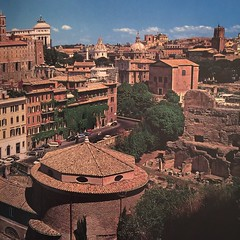 #rome #italy #eternalcity #historicalcity #ancientrome #beautifulcity #travel #travelling #memories (History Of The Ancient World) Tags: travel italy rome travelling memories ancientrome historicalcity beautifulcity eternalcity