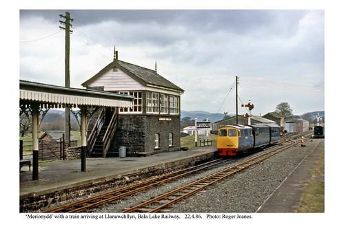 Llanuwchllyn. Loco 'Merionydd' & train. 22.4.86
