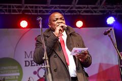 Amidou Traore moderiert die Bühne am Alten Markt zur 8. Meile der Demokratie 2016