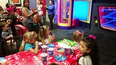Chanting Chuck E. Cheese (Joe Shlabotnik) Tags: cameraphone video lily violet madeleine chuckecheeses sarahp 2015 june2015 galaxys5