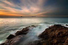 Moulinet (Tony N.) Tags: sunset sea sky mer france beach water stone clouds coast rocks eau europe pierre bretagne cte ciel nuages plage coucherdesoleil rochers vanguard dinard rivage ocan littoral illeetvilaine sigma1020 nd64 tonyn d300s tonynunkovics