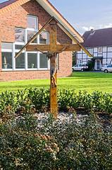 6362 Horn, Kruzifix (RainerV) Tags: germany geotagged kreuz osm horn deu nordrheinwestfalen kruzifix openstreetmap 16011 erwitte nikond300 rainerv geo:lat=5161157687 geo:lon=824673459