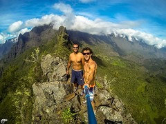 Crte des 3 Salazes! (yo974) Tags: travel cliff nature forest high friend hard bluesky crest montain treck mafate cilaos reunionisland hikking gopro xsories