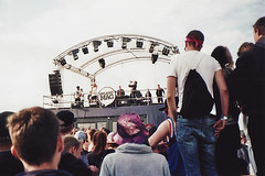 (LICHTHOF-CM) Tags: show camera trip summer sky people music man film festival analog 35mm bag one back flickr live space stage crowd performance guys mc again backpack splash rapper goon mag reise buckethat goony 2015 lichthof tumblr canonaf35 splashmag lichthoftumblrcom lgoony