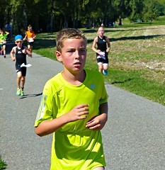 Looking ahead (Cavabienmerci) Tags: boy sports boys sport race children schweiz switzerland kid  child suisse running run course runners pied runner triathlon laufen triathlete lufer lauf 2015 uster