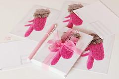 Pink Mittens (Beyza G.) Tags: pink postcard postcrossing mittens pembe kartpostal postcrosser postcardlove pembeeldiven elvdiven