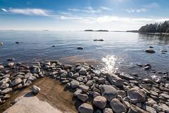 merta lauttasaaressa (miikajom) Tags: light sea sun suomi finland spring helsinki wide tokina meri lauttasaari kevt laru laaja