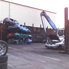 (uk_senator) Tags: cars scrapyard