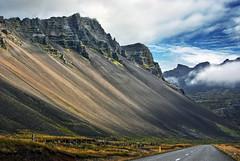Nattmalatindur near höfn 4b (Bilderschreiber) Tags: road mountain island iceland scree rubble ringstrasse höfn schutt geröll berh hringvegur austurskaftafellssýsla nattmalatindur