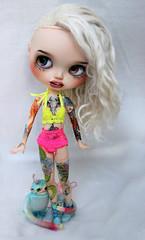 More tattoo-girl! (Mjusi) Tags: tattoo hair cool rainbow eyes neon pastel shaved blonde half blythe creature tattoed halv mjusi meadowdolls