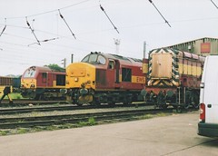 """English Welsh & Scottish Railways Class 67, 67030, Class 37/4, 37406 """"The Saltire Society"""" & Class 08, 08897 (37190 """"Dalzell"""") Tags: tractor warrington gm depot skip scrap rods ee revised growler withdrawn type3 generalmotors shunter englishelectric ews stored gronk class37 37406 class08 class67 37296 maroongold class374 67030 arpley 08897 englishwelshscottishrailways thesaltiresociety d6995 d4127 ethfitted"""